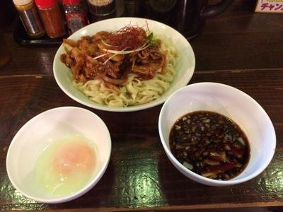 けいすけ肉盛りつけ麺卵.JPG
