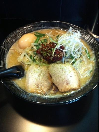 麺処くるり 濃厚豚骨味噌ラーメン2012.JPG